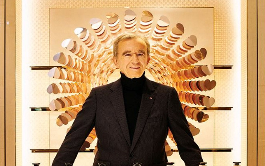 French fashion tycoon Bernald Arnault is now world's richest man