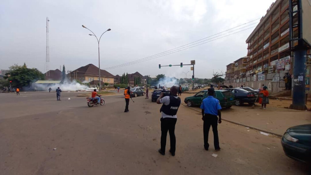 Breaking: Police allegedly teargas June 12 protesters in Abuja